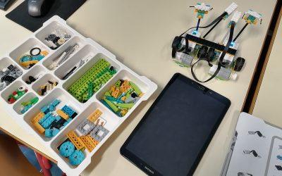 Popestrimo šolo – LEGO WEDO 2.0 – počitniške dejavnosti